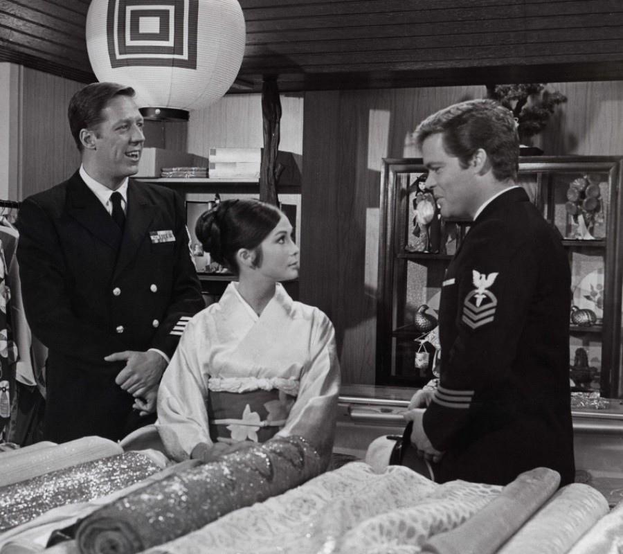 550 Nancy Kwan 關南施 (1939年 香港裔美國演員)08