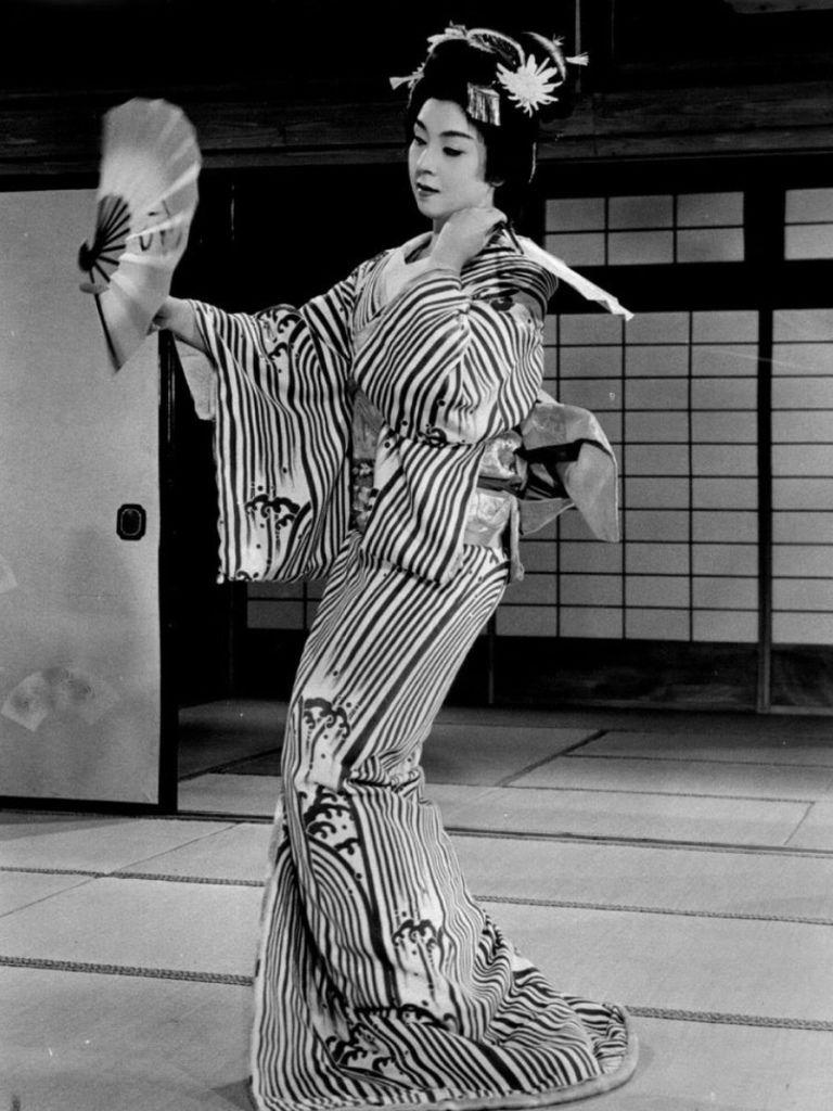 566 Machiko Kyo 京町子(矢野元子) (1924年 日本演員)05
