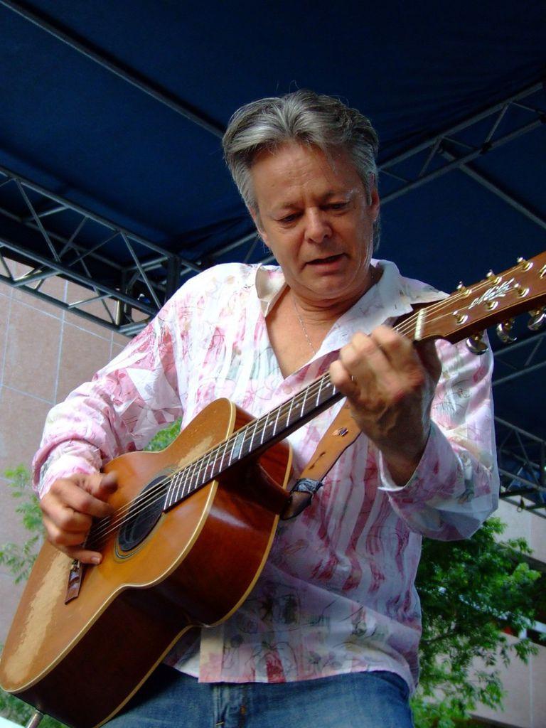 134 Tommy Emmanuel 湯米.依曼紐 1955年 澳大利亞吉他手07