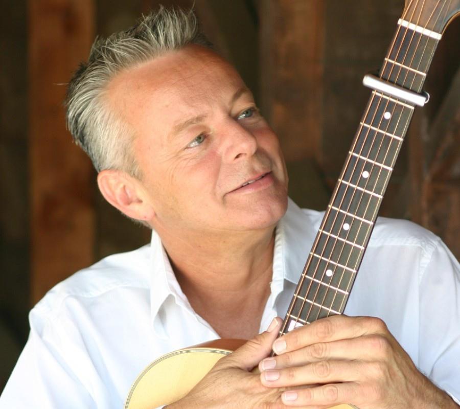 134 Tommy Emmanuel 湯米.依曼紐 1955年 澳大利亞吉他手01