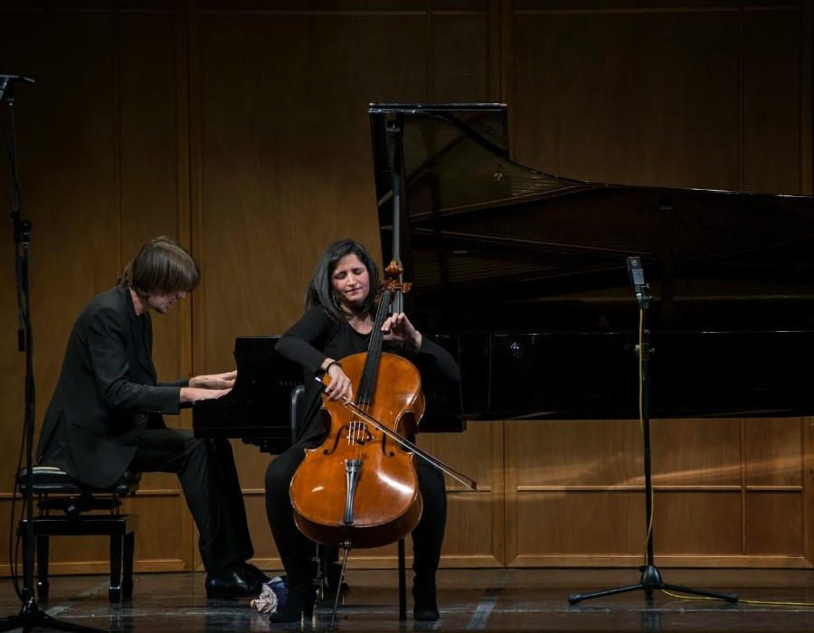 219 Marianna Sinagra 瑪麗安娜.西納格拉 義大利大提琴家03
