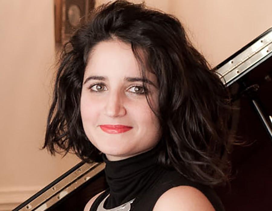 219 Marianna Sinagra 瑪麗安娜.西納格拉 義大利大提琴家01