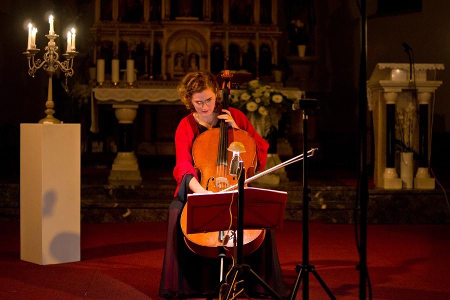 220 Monika Leskovar 莫妮卡.萊斯科瓦爾 1981年 德國裔克羅地亞大提琴家03