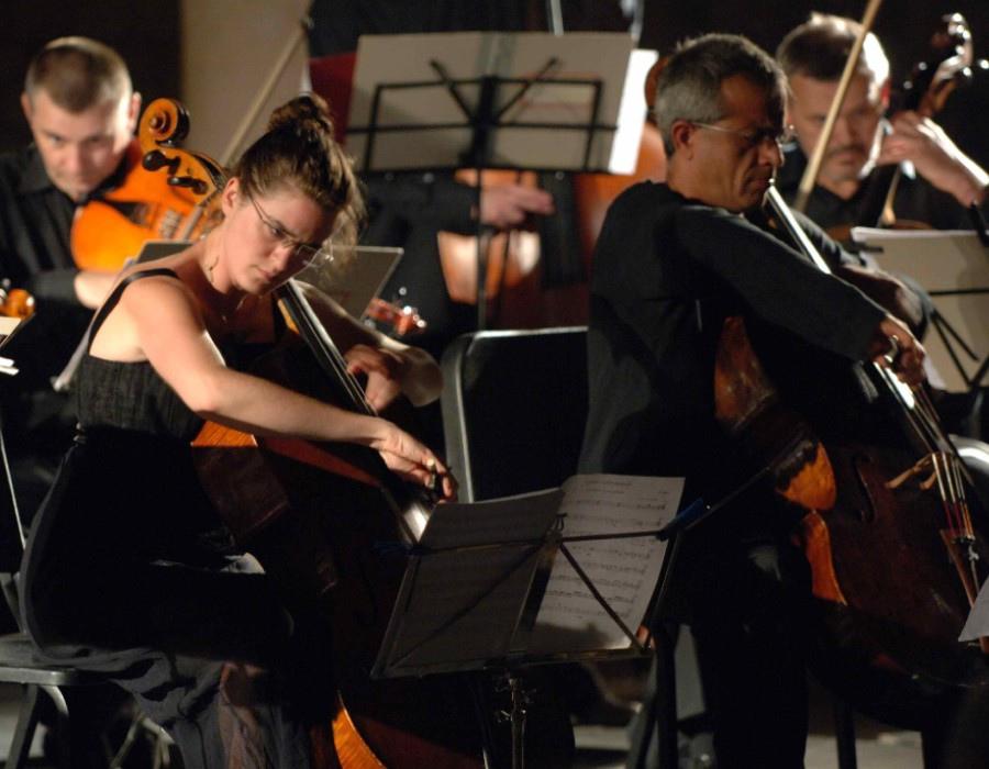 220 Monika Leskovar 莫妮卡.萊斯科瓦爾 1981年 德國裔克羅地亞大提琴家06