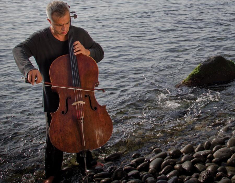 221 Giovanni Sollima 治雅尼.蘇利馬 1962年 意大利作曲家、大提琴家02