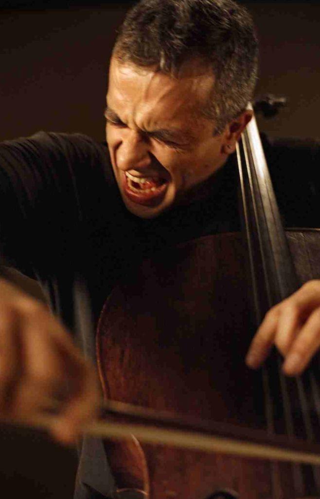 221 Giovanni Sollima 治雅尼.蘇利馬 1962年 意大利作曲家、大提琴家08