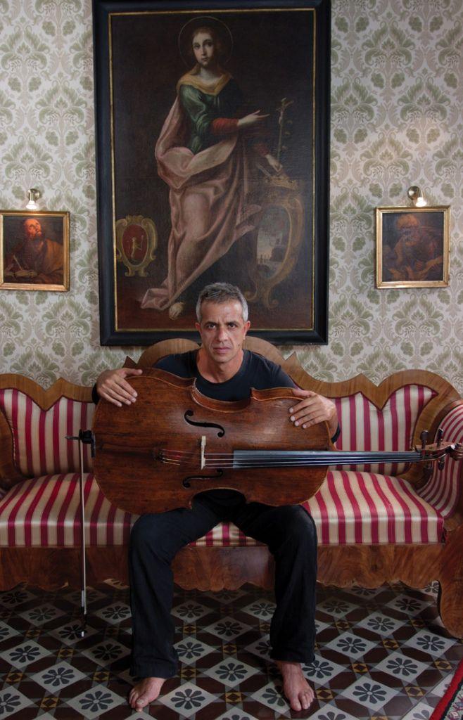 221 Giovanni Sollima 治雅尼.蘇利馬 1962年 意大利作曲家、大提琴家09