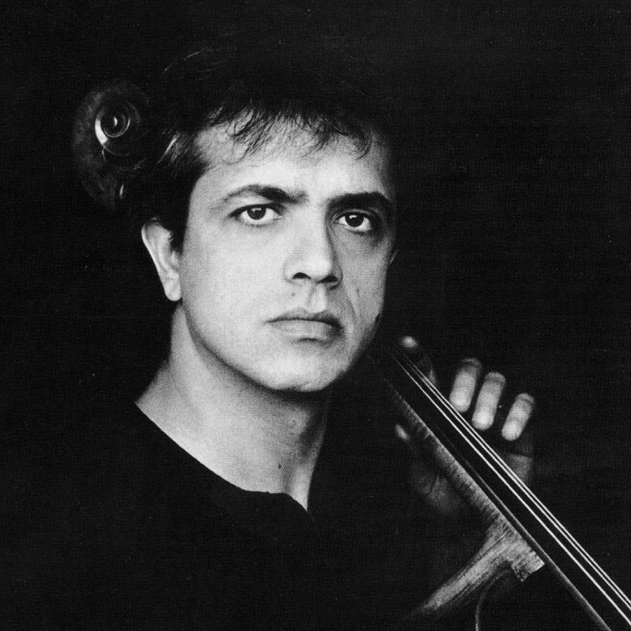 221 Giovanni Sollima 治雅尼.蘇利馬 1962年 意大利作曲家、大提琴家01