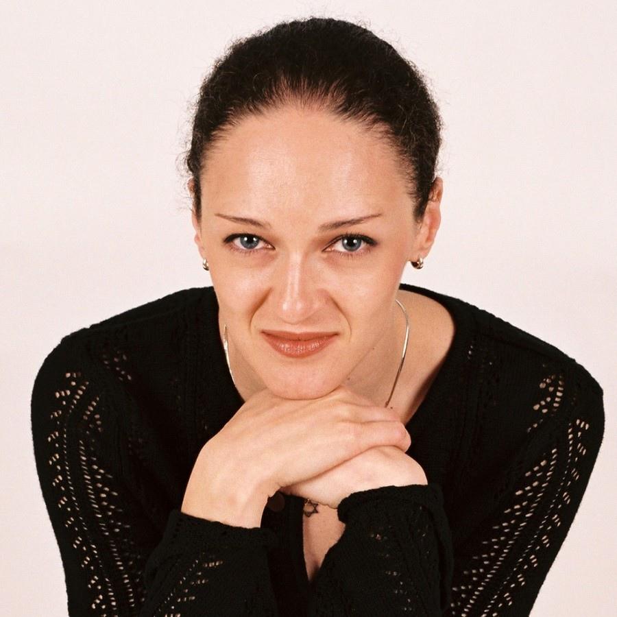 746 Angela Yoffe 安潔拉.約菲 拉脫維亞鋼琴家01