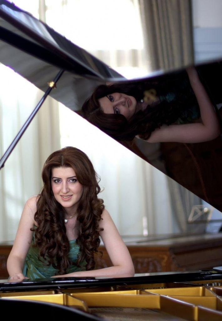 769 Nareh Arghamanyan 奈理.阿爾格馬尼楊 1989年 亞美尼亞鋼琴家06