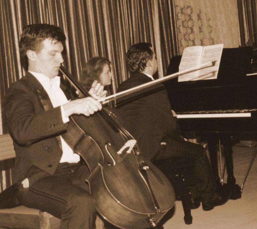 223 Tomasz Strahl 托馬斯.斯特勞 1965年 波蘭大提琴家01