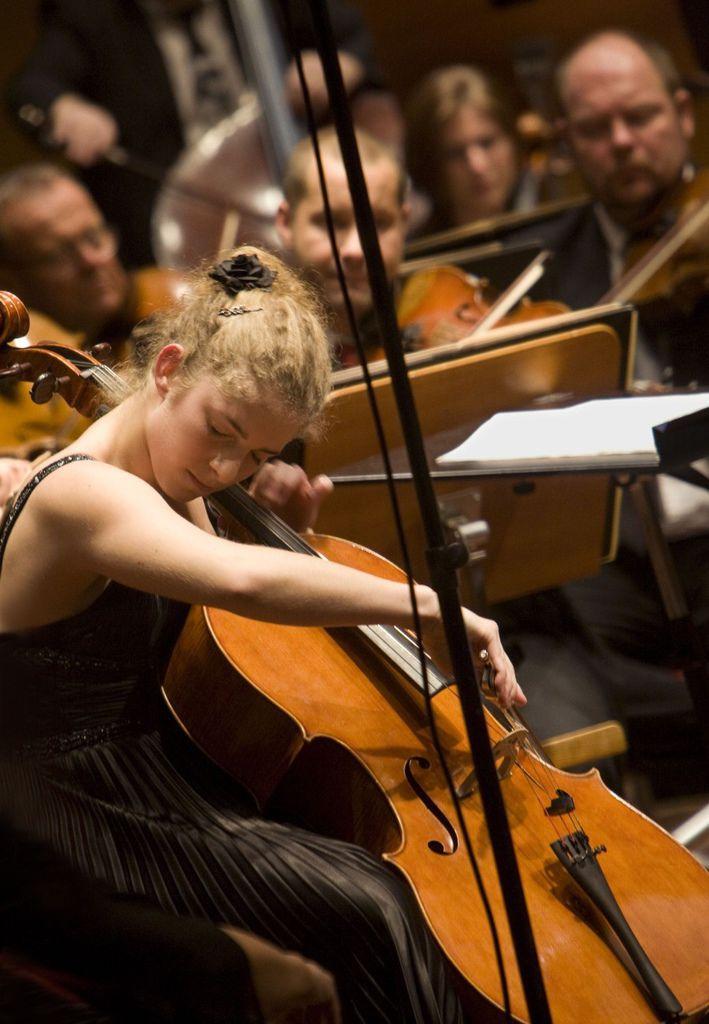 224 Hanna Dahlkvist 漢娜.達爾奎斯特 1986年 瑞典大提琴家06