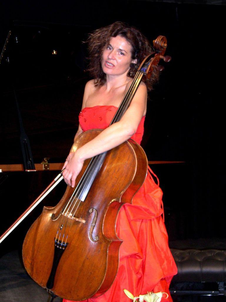 225 Yvonne Timoianu 伊馮娜.蒂莫亞努 羅馬尼亞大提琴家02