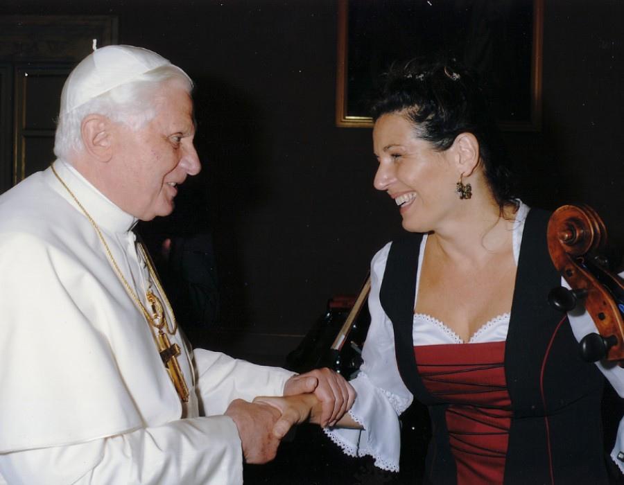 225 Yvonne Timoianu 伊馮娜.蒂莫亞努 羅馬尼亞大提琴家09