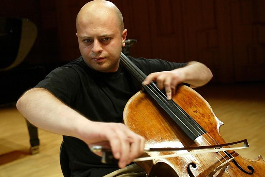 227 Alexander Chaushian 亞歷山大.昌希安 1977年 亞美尼亞大提琴家01