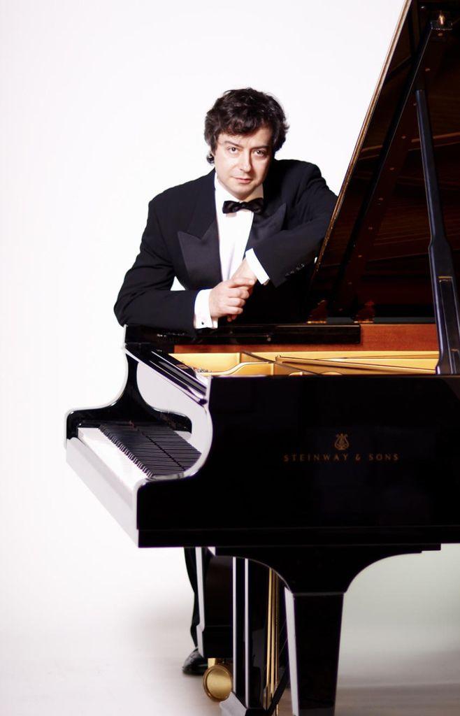 770 Fabio Bidini 法比奧.比迪尼 1968年 意大利鋼琴家05