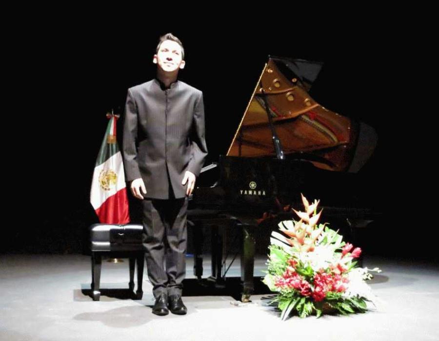 775 Alejandro Vela 亞歷山大.維拉 墨西哥鋼琴家06