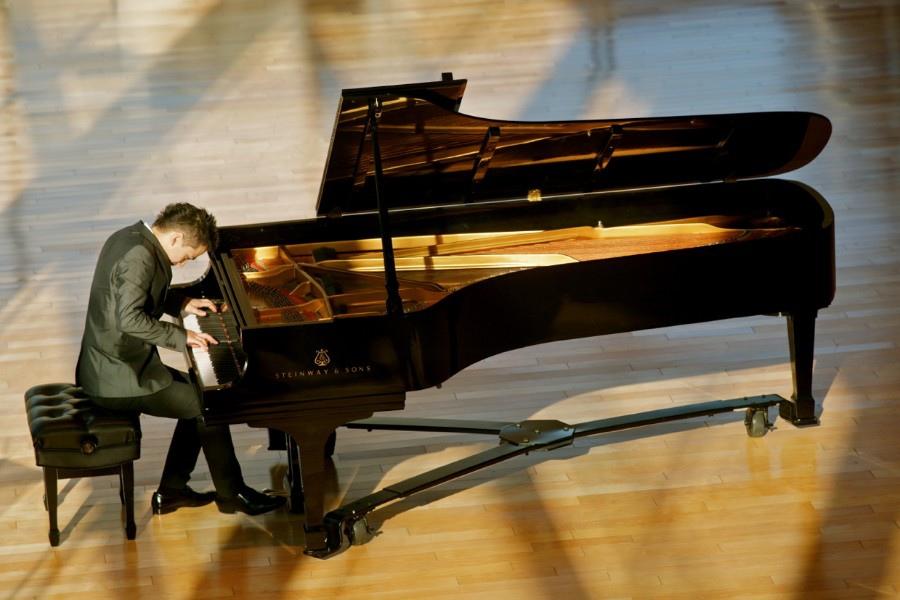 775 Alejandro Vela 亞歷山大.維拉 墨西哥鋼琴家05
