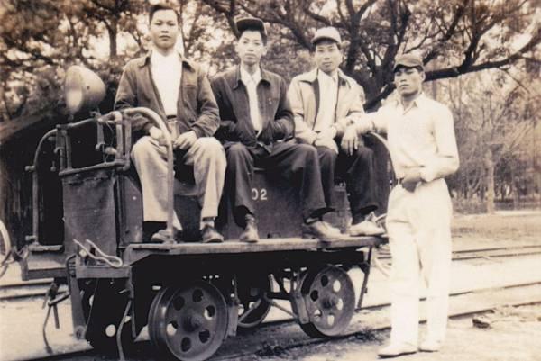 龍巖糖廠-巡道車1.jpg