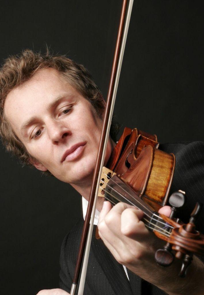 504 Richard Tognetti 理查.托奈提 1965年 澳大利亞小提琴家、作曲家、指揮家03.jpg