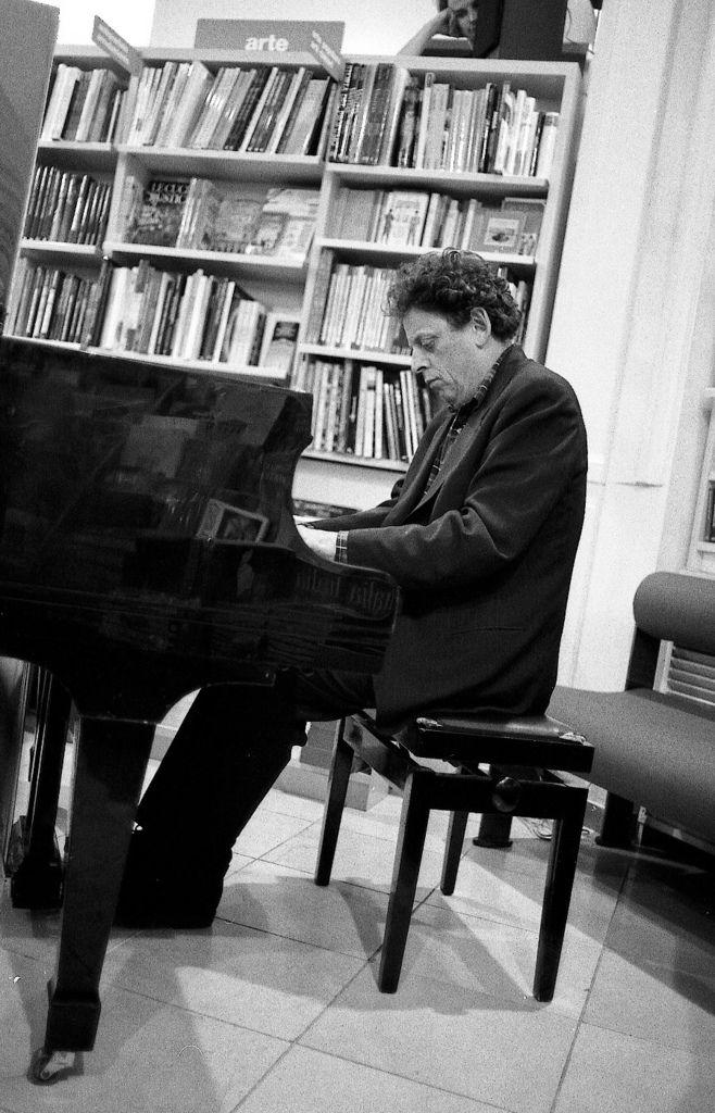 503 Philip Glass 菲利普.格拉斯 1937年 美國作曲家09.jpg