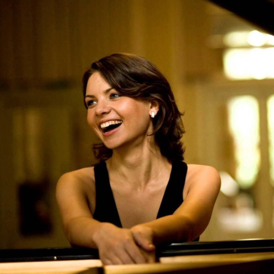 624 Kateryna Titova 凱特琳娜.蒂托瓦 1983年 烏克蘭鋼琴家04.jpg