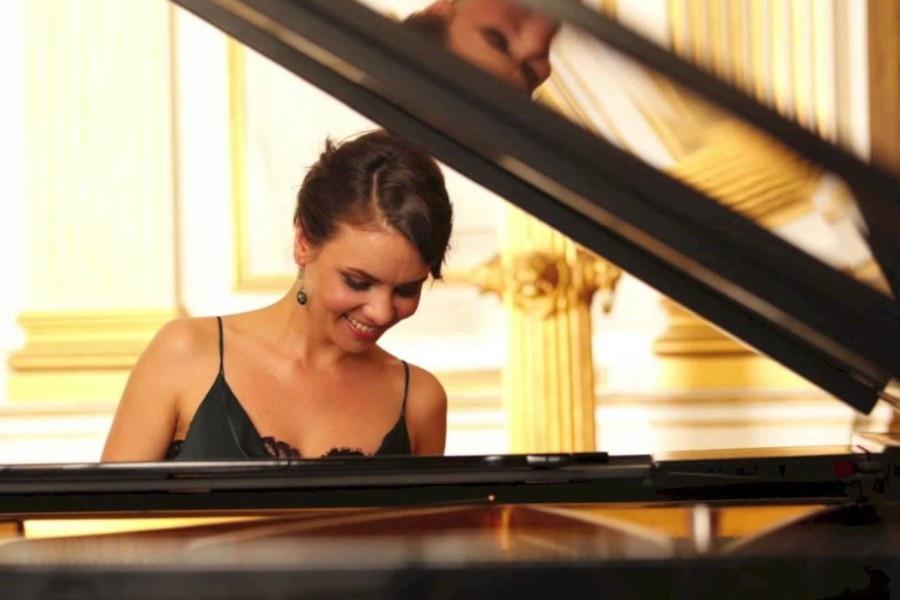 624 Kateryna Titova 凱特琳娜.蒂托瓦 1983年 烏克蘭鋼琴家05.jpg