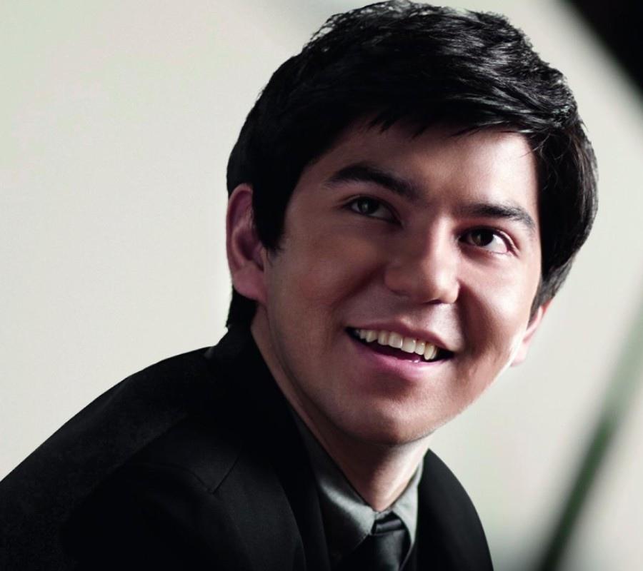 623 Behzod Abduraimov 貝赫佐德.阿布杜賴莫夫 1990年 烏茲別克斯坦鋼琴家01.jpg