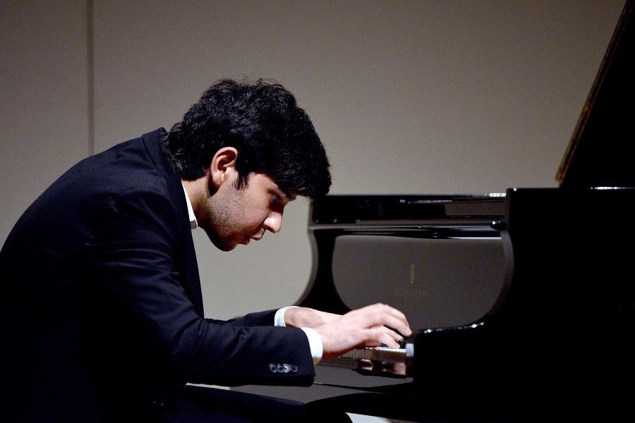 623 Behzod Abduraimov 貝赫佐德.阿布杜賴莫夫 1990年 烏茲別克斯坦鋼琴家04.jpg
