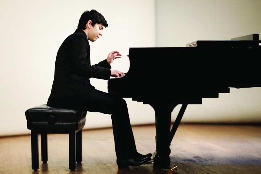 623 Behzod Abduraimov 貝赫佐德.阿布杜賴莫夫 1990年 烏茲別克斯坦鋼琴家05.jpg