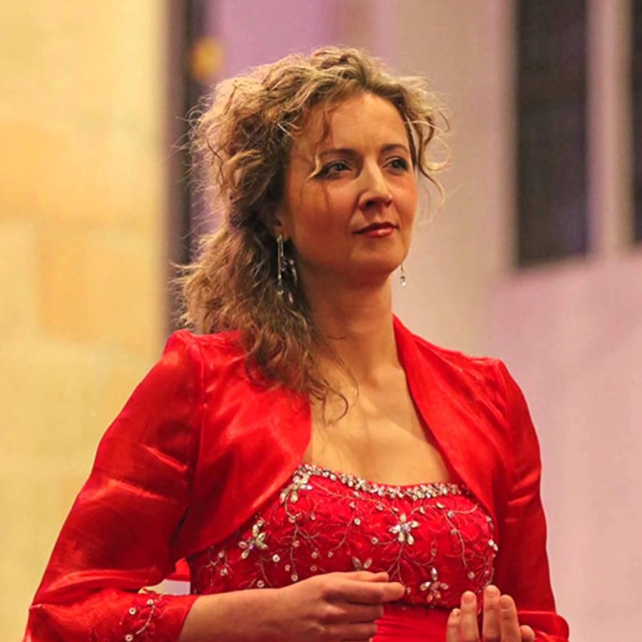 875 Olga Zinovieva 奧爾加·齊諾維耶娃 俄羅斯女高音01.jpg