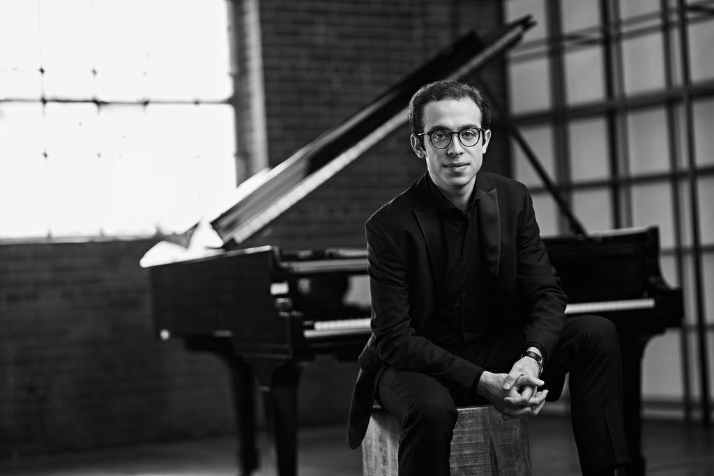 1081 Nicolas Namoradze 尼古拉斯.納莫拉澤 格魯吉亞鋼琴家鋼琴家、作曲家04.jpg