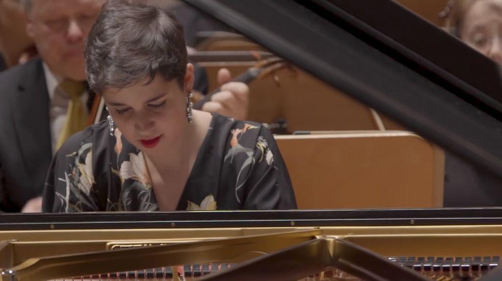 1099 Rosalia Gomez Lasheras 羅莎莉亞.戈麥斯.拉謝拉斯 1994年 西班牙鋼琴家06.jpg