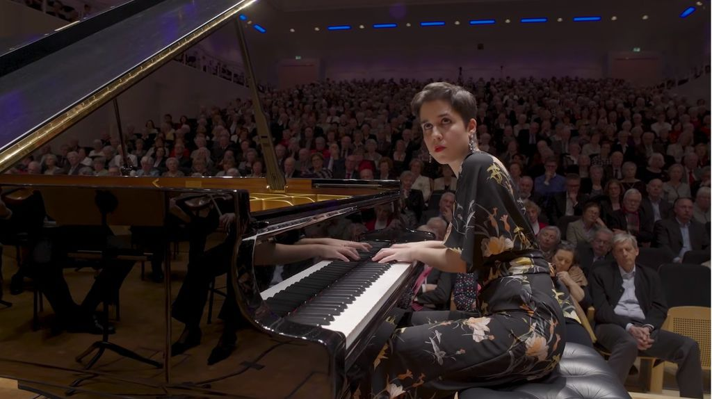 1099 Rosalia Gomez Lasheras 羅莎莉亞.戈麥斯.拉謝拉斯 1994年 西班牙鋼琴家05a.jpg