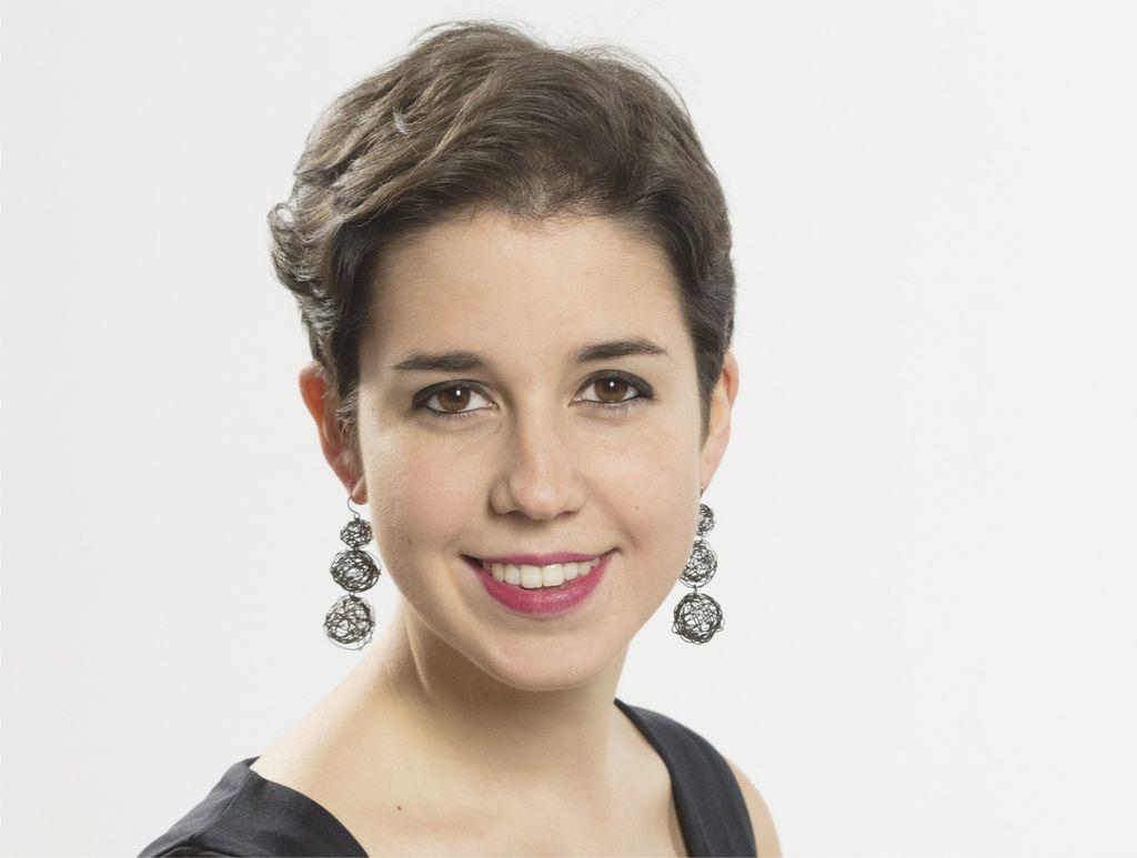 1099 Rosalia Gomez Lasheras 羅莎莉亞.戈麥斯.拉謝拉斯 1994年 西班牙鋼琴家03.jpg