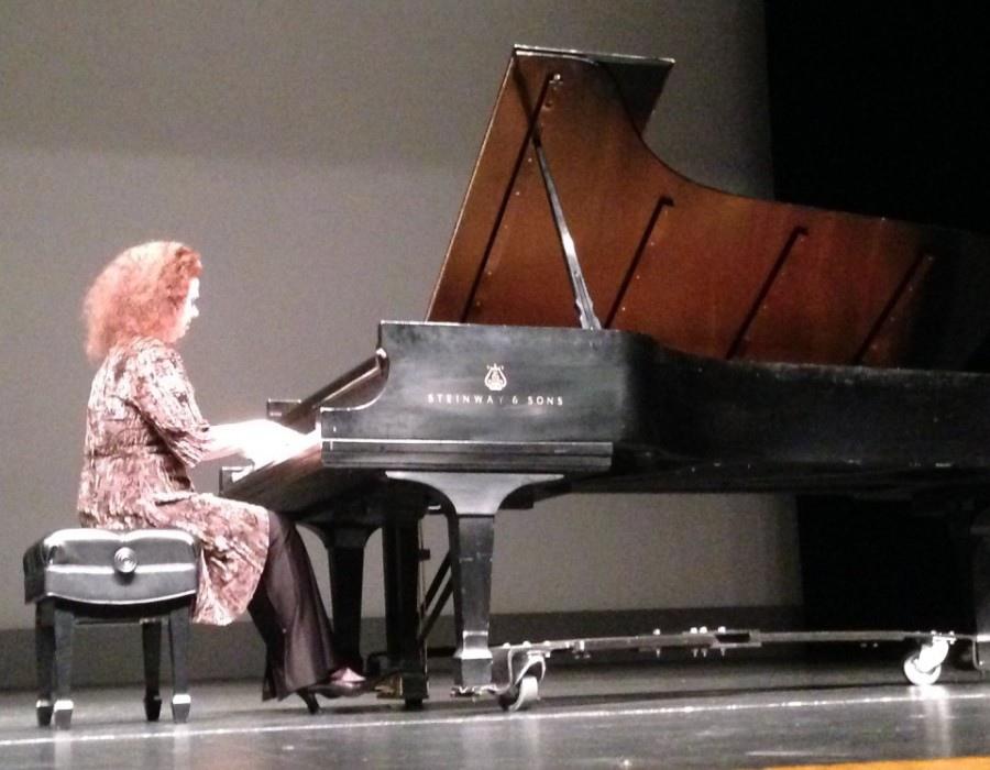 1103 Gila Goldstein 吉拉.戈爾茨坦 美國鋼琴家04.jpg