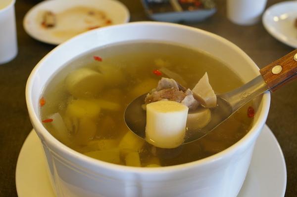 檳榔心雞湯