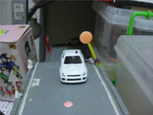 4.另一方向出來的車子...