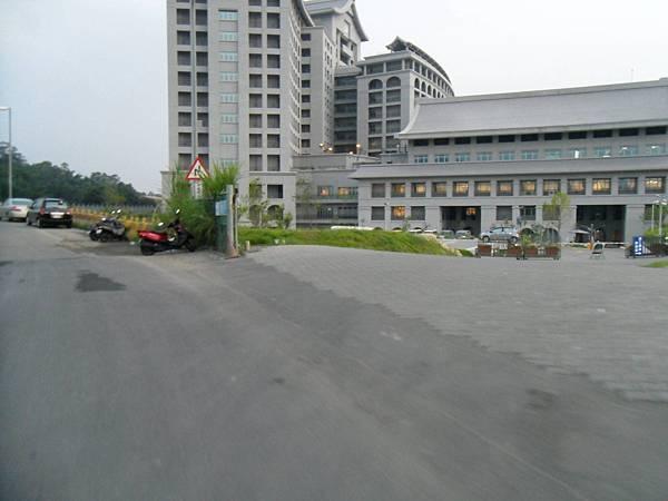 9.慈濟醫院的後面