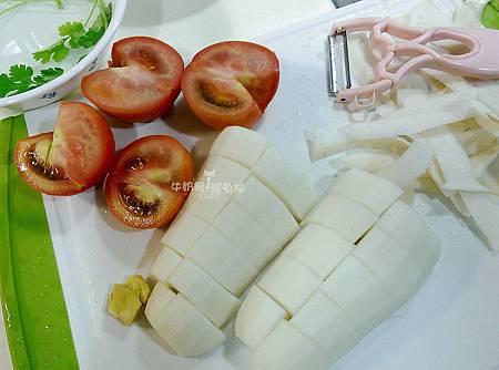 番茄蘿蔔排骨湯