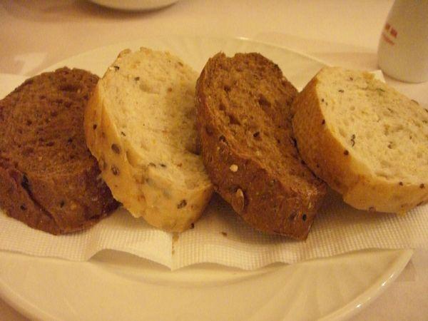 附餐麵包 ─ 雜糧麵包