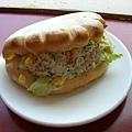 鮪魚沙拉堡