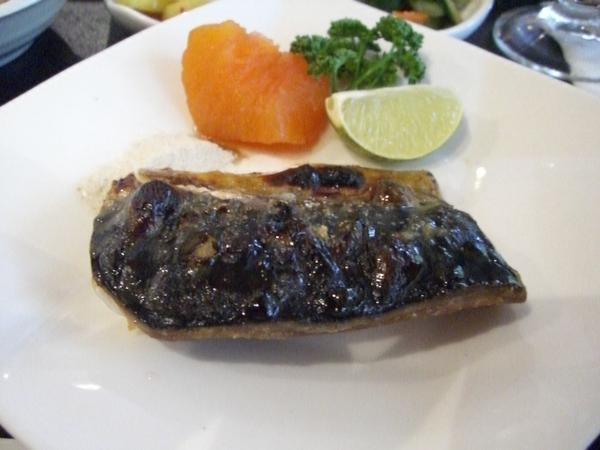 鹽烤青花魚定食 (主菜)