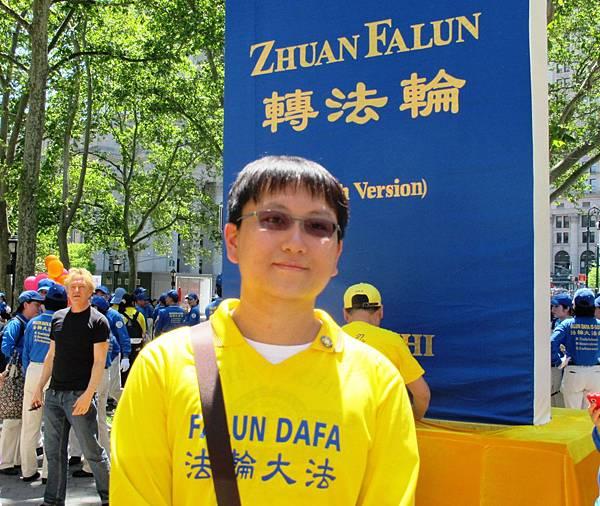 2012-5-13-cmh-newyork-parade-513-14