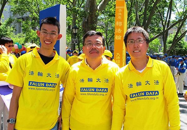 2012-5-13-cmh-newyork-parade-513-15