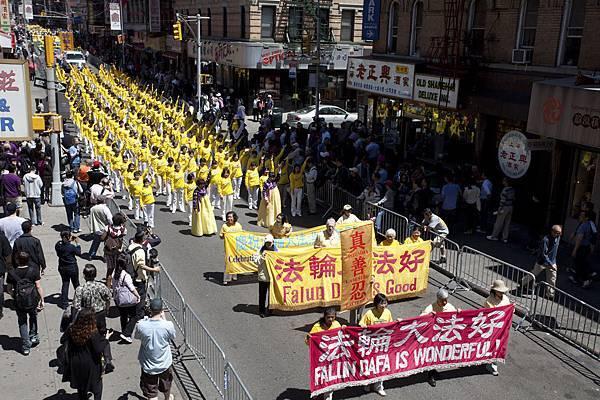 2012-5-13-cmh-newyork-parade-513-3-11