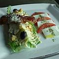 巴諾羅馬式培跟凱薩沙拉與番茄乳酪
