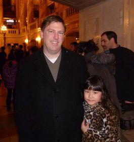 道瓊斯新聞集團副總裁傑夫˙布魯斯終於如願觀看了神韻紐約藝術團在波士頓的演出。.jpg