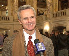 摩頓市市長霍華德先生讚揚神韻推廣中華文化。.jpg