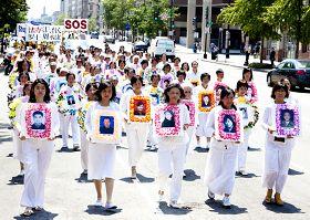 2010-7-24-falun-gong-dc-parade-720-1-05--ss.jpg